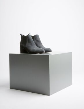 LOW ITALIAN SUEDE BOOTS