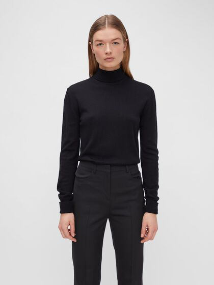 AVA MERINO TURTLENECK